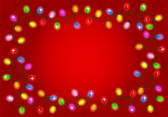 Weihnachtsbeleuchtung auf rotem Hintergrund mit Textfreiraum