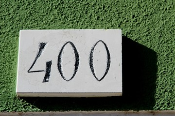 bignumber 400 with green background Fototapete