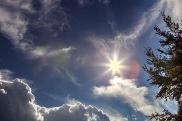Sonne am Himmel