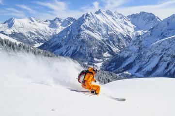 Wall Mural - Skifahren im frischen Pulverschnee