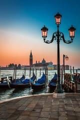 Just before sunrise in Venice - fototapety na wymiar