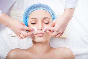 Chemical peel Vs Microdermabrasion