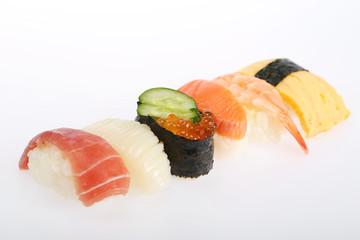寿司 盛り合わせ イメージ