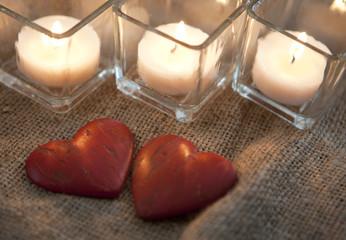 coeurs et bougies romantique