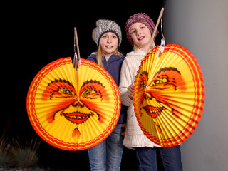 Kids with lamps on St. Martins Day