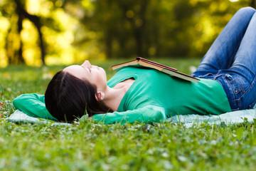 Fototapeta Woman resting in park obraz
