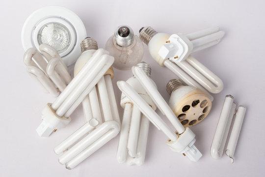 ampoules cassées pour recyclage