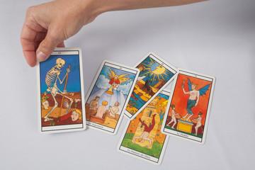 cartes divinatoires de tarot