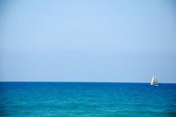 Segelboot auf dem Meer, Israel