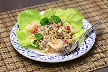 spicy lemongrass salad, yam takrai, thai cuisine