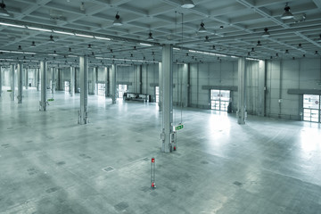 In de dag Industrial geb. empty large modern warehouse, industrial area or factory