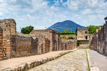 Wall Mural - Street in Pompeii overlooking the Vesuvius, Italy