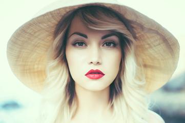 Lady in straw hat