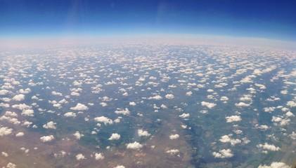 Viele Wolken von oben