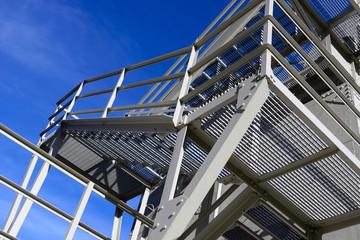 Foto op Plexiglas Trappen Scala esterna in metallo