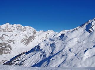 montagne savoyarde en hiver