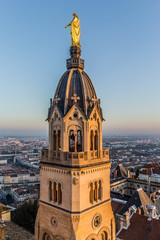 Le clocher de la chapelle de la Vierge Dorée