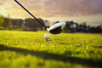 Foto op Aluminium Golf Golf club and ball in grass