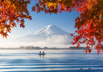 Wall Mural - Mt. Fuji and Kawaguchiko lake with morning fog in autumn