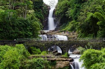 Kadiyanlena Falls