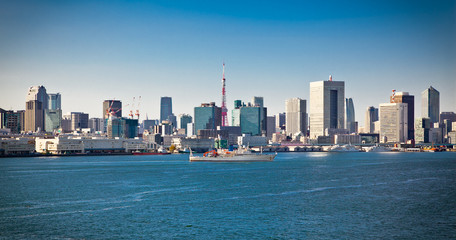 Fotomurales - Panoramic view on Tokyo from Sumida River, Japan.