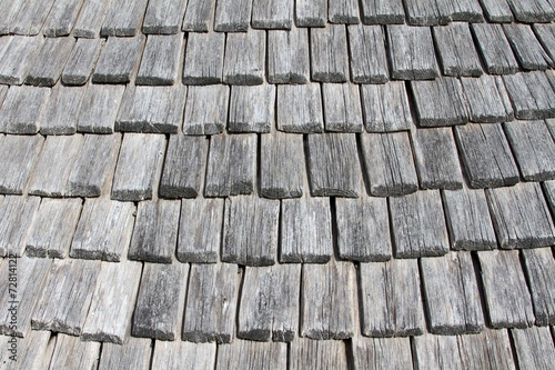 ancienne couverture en tuiles de bois,bardeaux Stock photo and