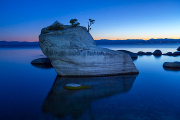 Wall Mural - Bonsai Rock, Lake Tahoe