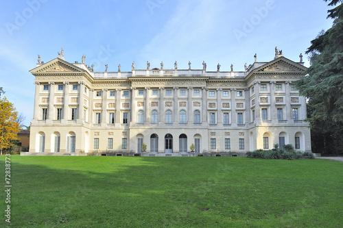 Milano villa reale giardini di via palestro immagini e for Via giardini milano