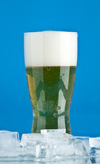 glass of beer with ice