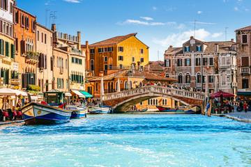 Spoed Fotobehang Venetie Ponte delle Guglie (Bridge of Spires) in Venice, Italy