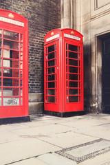 Tradycyjna czerwona budka telefoniczna , symbol Londynu