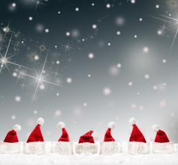 weihnachtsmann mit weihnachtsmützen