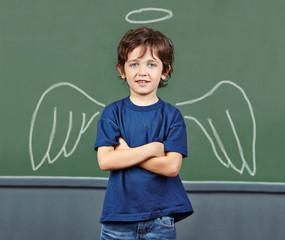 Kind als Schutzengel mit Heiligenschein