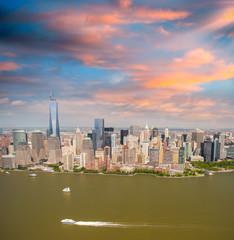 Fototapete - Manhattan skyline, aerial view of New York