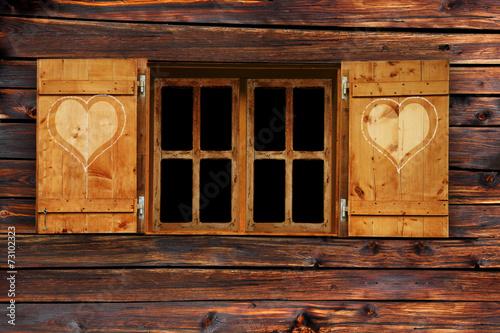 """""""Fenster Mit Fensterladen"""" Stockfotos Und Lizenzfreie"""