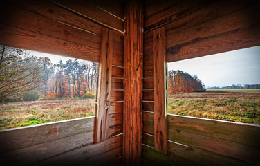 Photo sur Toile Chasse Interior of hunting tower in autumn season.