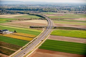 Autobahn aus der Luft bei Mannheim