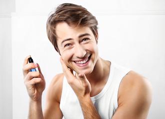 Fototapeta Woda po goleniu, męska pielęgnacja obraz