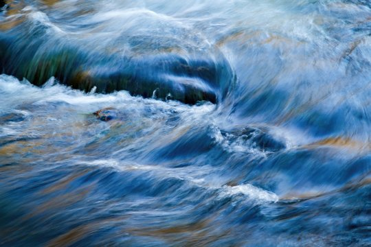 water flows in the river