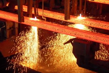 Stranggußanlage - Stahlbillets beim Brennschneiden