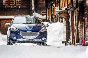 Fototapete - Car on snow