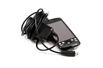 Mobiltelefon mit Aufladekabel