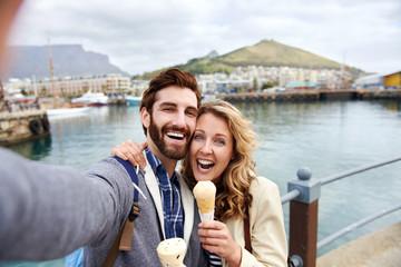 selfie travel couple