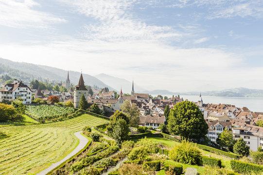 Stadt Zug, Altstadthäuser, Aussichtspunkt, See, Sommer, Schweiz