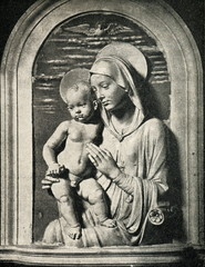 Virgin with child by Andrea della Robbia