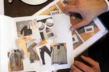 Modekatalog fokusiert