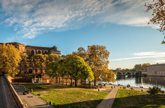 Place de la Daurade Toulouse, Haute-Garonne en Occitanie, France