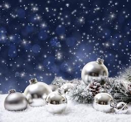 Winterkugeln weiß und blau silber