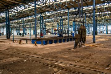 Fabrikhalle DDR 01
