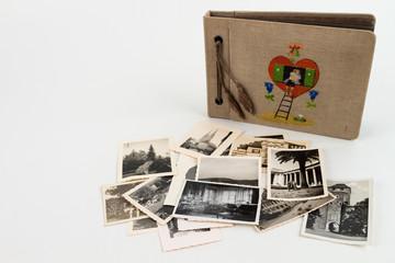 Fotoalbum mit Herz und Leiter seitlich mit Bildern unten